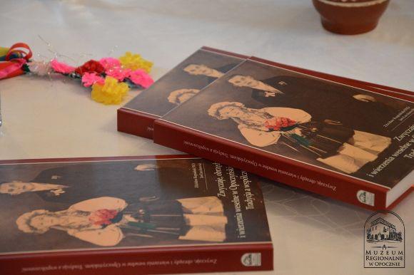 Zwyczaje, obrzędy, wierzenia weselne w Opoczyńskiem. Tradycja a współczesność